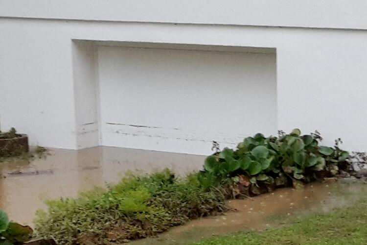 AquaLOCK Ringschnait Hochwasserschutztor - nachher